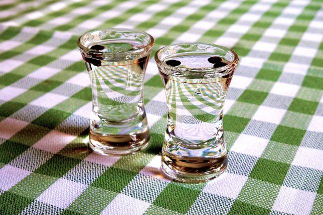 Ile kalorii ma wódka? Alkohol a dieta