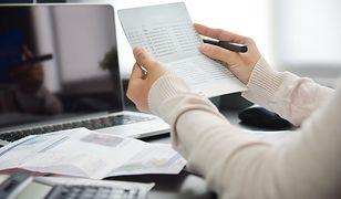 Jak finansowanie faktur można wykorzystać w różnych branżach?