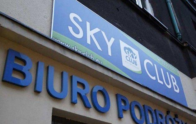 Największy w historii upadek polskiego biura podróży