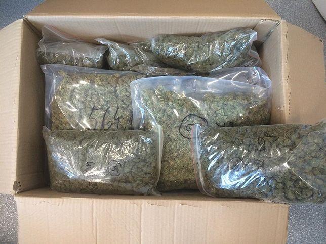 Przasnysz: Nastolatek połknął torebkę z marihuaną