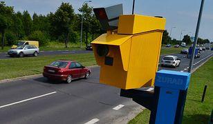 Kto odpowiada za znaki drogowe i fotoradary?