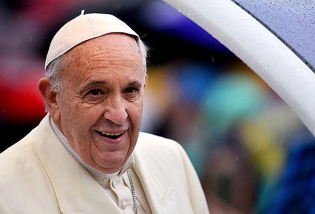 Lekarze martwią się zdrowiem papieża Franciszka. W Watykanie przytył 15 kilogramów