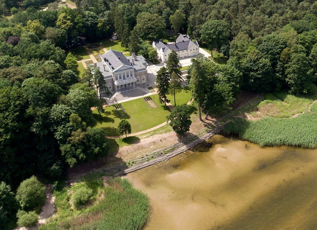 Pałac Manowce
