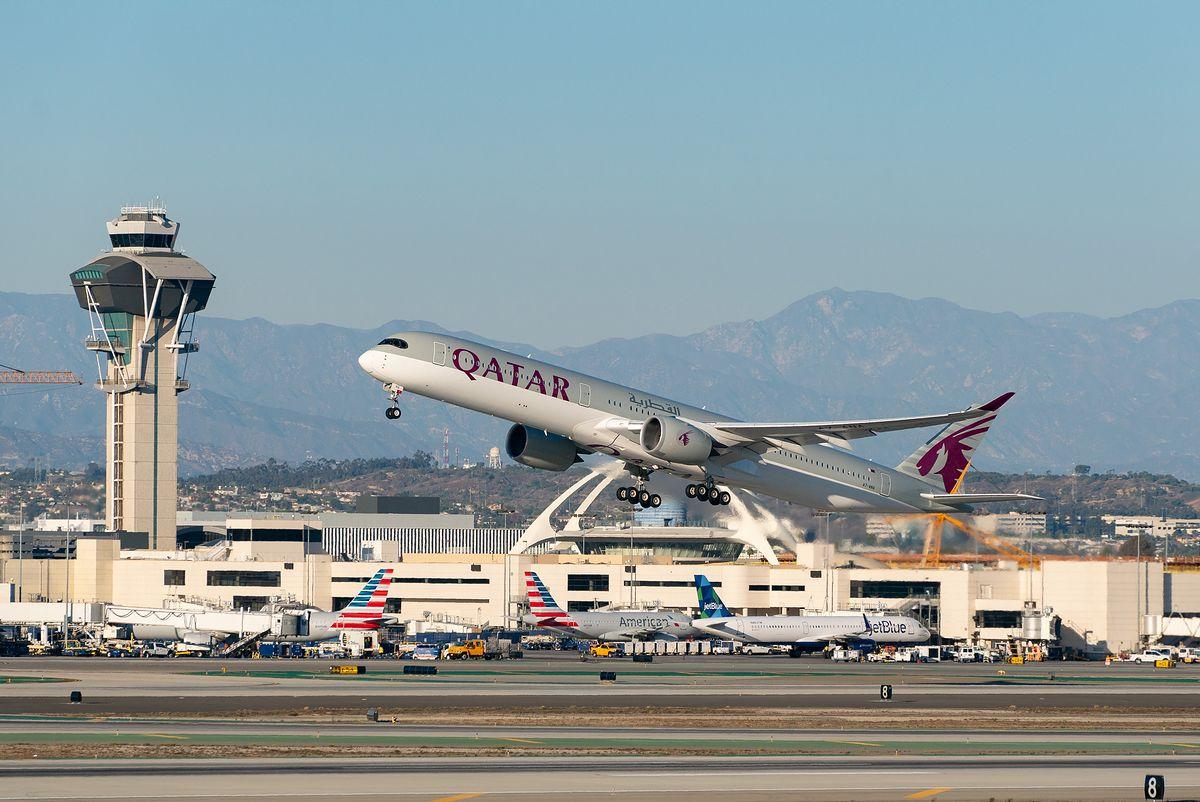 Samolot należący do linii Qatar Airways