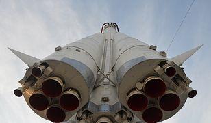 Astronauci dotarli na Ziemię po trzygodzinnym locie