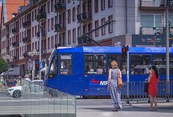 Luzowanie obostrzeń. Koniec z limitami w MPK Wrocław. Więcej osób w tramwajach i autobusach