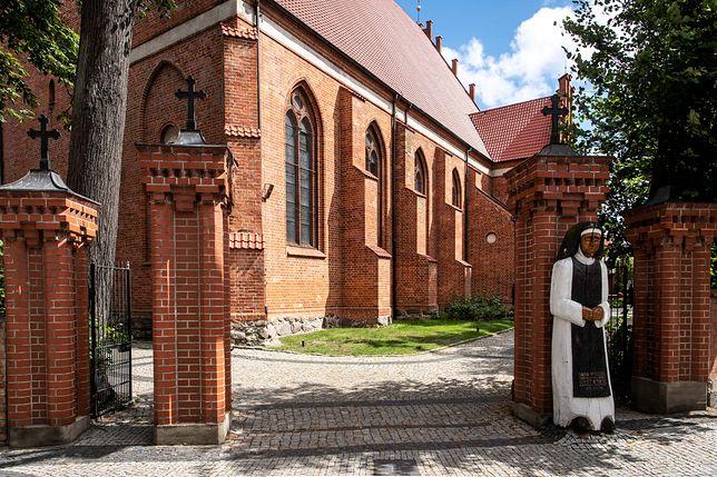 Na kościele w Pucku miała zawisnąć tablica upamiętniająca Lecha Kaczyńskiego