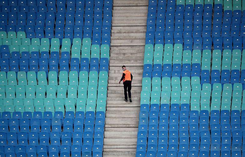 Trybuny stadionu piłkarskiego