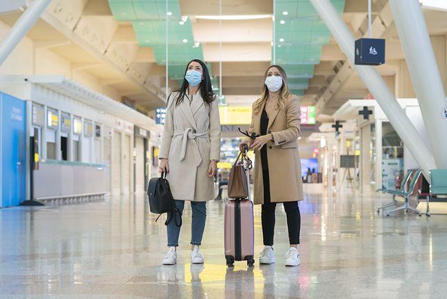 W trakcie pandemii można podróżować, ale trzeba liczyć się z masą obostrzeń