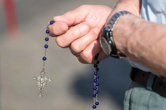 """Włosi zmienili modlitwę """"Ojcze nasz"""". Sugerowała, że Bóg kusi człowieka"""