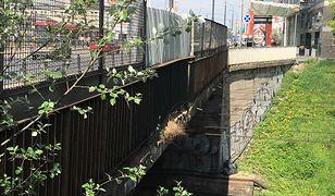 Wyeksploatowany most w dalszym ciągu nieodnowiony