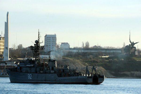 Rosjanie zatopili swoje okręty. Odcięli drogę Ukraińcom