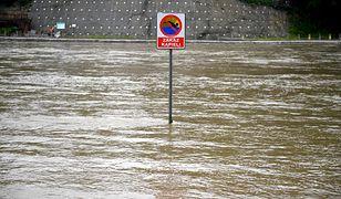 """Powódź to też dowód na ocieplenie klimatu. """"Przygotujmy się na skrajne zjawiska pogodowe"""""""