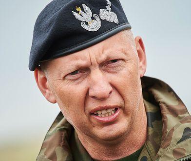 Mirosław Różański w latach 2015–2016 był dowódcą generalnym rodzajów sił zbrojnych