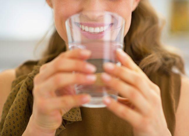 Woda jest niezbędna naszemu organizmowi