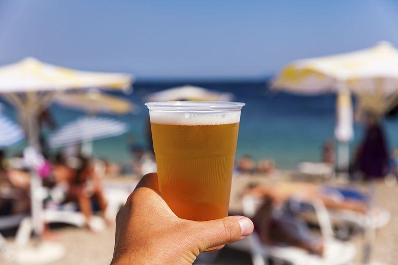Jak picie piwa w upalne dni wpływa na organizm?