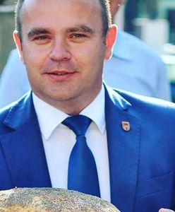 Wojna w gminie Błaszki trwa już rok. Proboszcz buntuje wiernych, burmistrz każe płacić