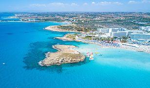 Ayia Napa doskonale reprezentuje najlepsze warunki i atrakcje turystyczne Cypru