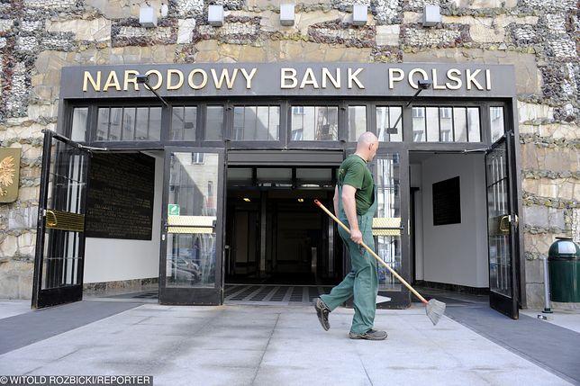 Afera SKOK Wołomin dotarła do NBP. Wpływowy pracownik ma milionowy kredyt, nie płaci