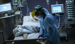 Wzrost zakażeń koronawirusem w Polsce. Najnowszy raport Ministerstwa Zdrowia