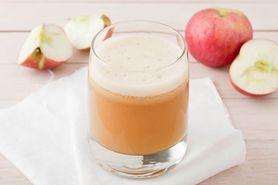 Koktajl oczyszczający jelito grube na bazie soku z jabłek
