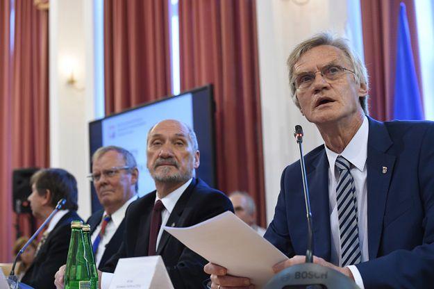 Wiceszef podkomisji smoleńskiej o zaproszeniu do Moskwy: trzeba ustalić warunki spotkania