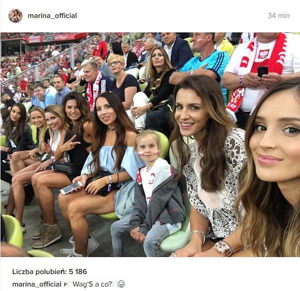 Kobiety polskich piłkarzy na trybunach