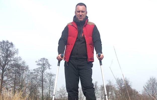 Petro Aleksowski na spacerze - to element rehabilitacji