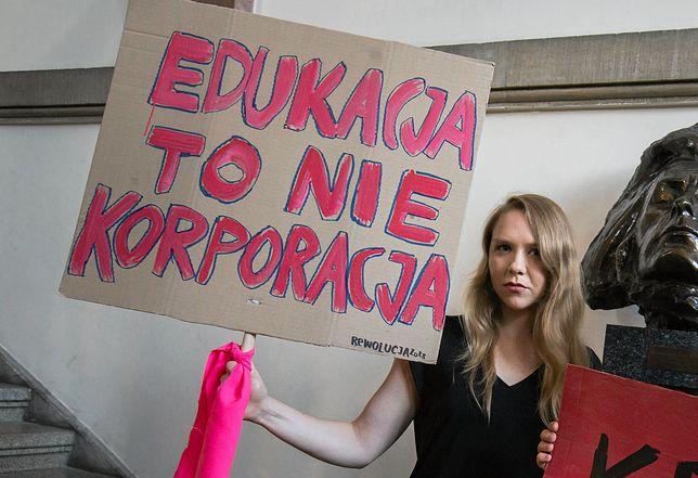 Maja Staśko protestowała przeciwko spotkaniu z Polańskim w Łódzkiej Szkole Filmowej. Władze uczelni wezwały policję