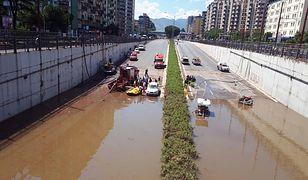 Ulewa w Palermo. Ludzie wpław pokonywali zalane ulice
