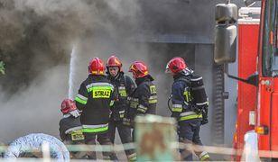 Kędzierzyn-Koźle. Pożar w pawilonie handlowym. Jedna osoba ranna