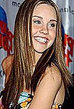 Allison Janney matką Amandy Bynes