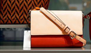 Jedną z najchętniej wybieranych torebek do pracy jest listonoszka