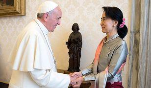 Papież Franciszek i Aung San Suu Kyi