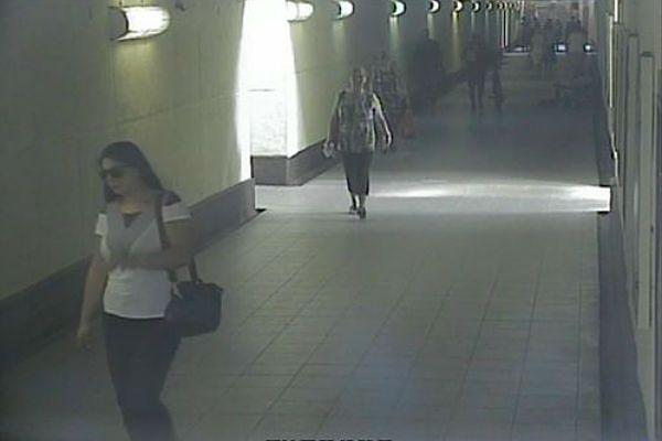 Ukradła staruszce 20 tys. zł. Poszukuje jej policja - zobacz jak wygląda
