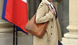 Minister Cecile Duflot przed Pałacem Elizejskim