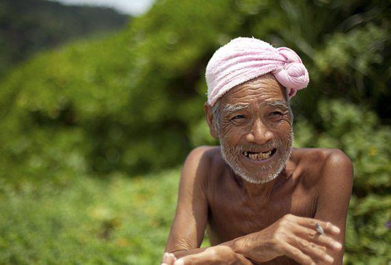 Japończyk przez 29 lat żył na bezludnej wyspie. Rząd kazał mu wracać do cywilizacji