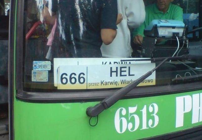 """Autobus linii 666 na Hel. Apel do PKS Gdynia o zmianę numeru, bo uderza to w """"chrześcijański porządek państwa"""""""