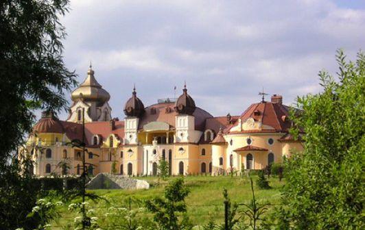 Prywatny zamek w Sieniawie