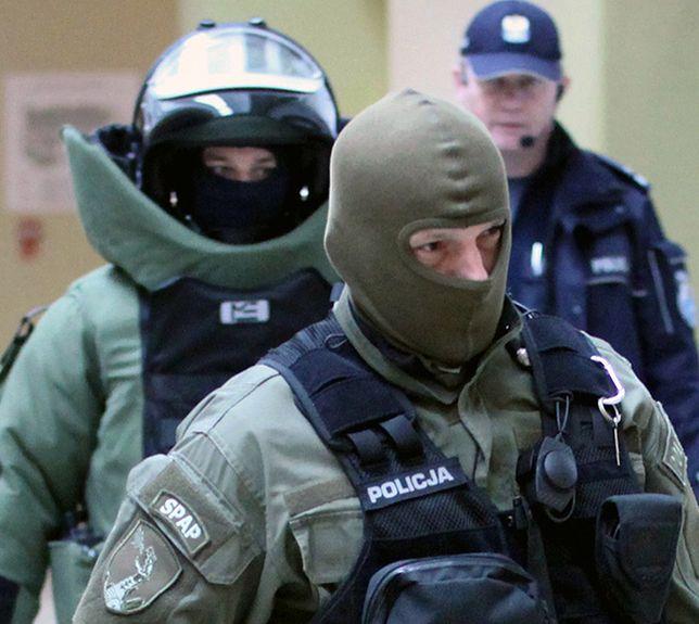 Ewakuacja ok. 500 osób w szkole w Mińsku Mazowieckim. Fałszywy alarm