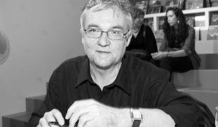 Jerzy Pilch będzie miał protestancki pogrzeb. Czym różni się od katolickiego?