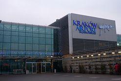 """Poranna ewakuacja na lotnisku Kraków-Balice. """"Pasażerowie już wrócili do terminalu"""""""