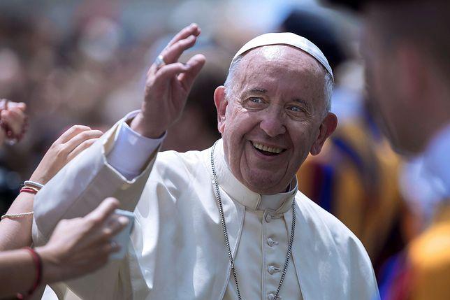 Papież Franciszek otrzymał od prezydenta Dudy polską flagę