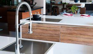 Kuchnio, ogarnij się! Sprytne wyposażenie ułatwiające sprzątanie