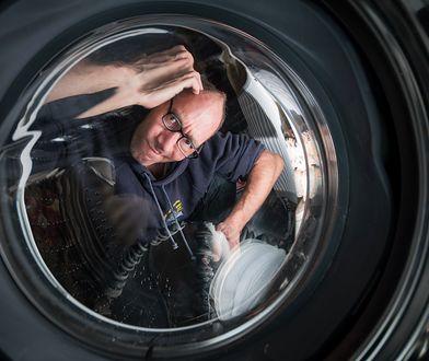 Dezynfekcja pralki… Domestosem – czy to dobra metoda?