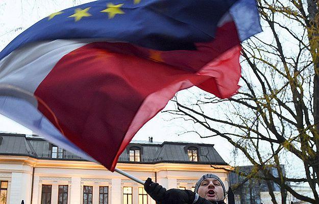 Coraz więcej cudzoziemców chce pozwolenia na pobyt w Polsce