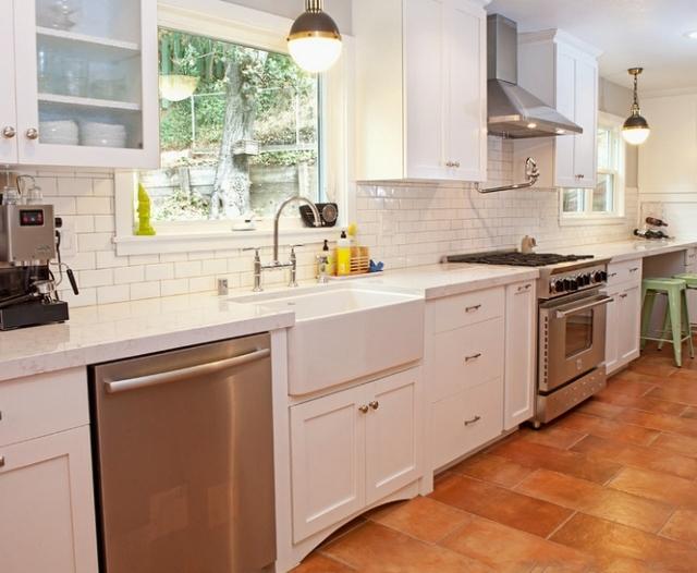 Czystość na piątkę  Płytki podłogowe do kuchni terakota