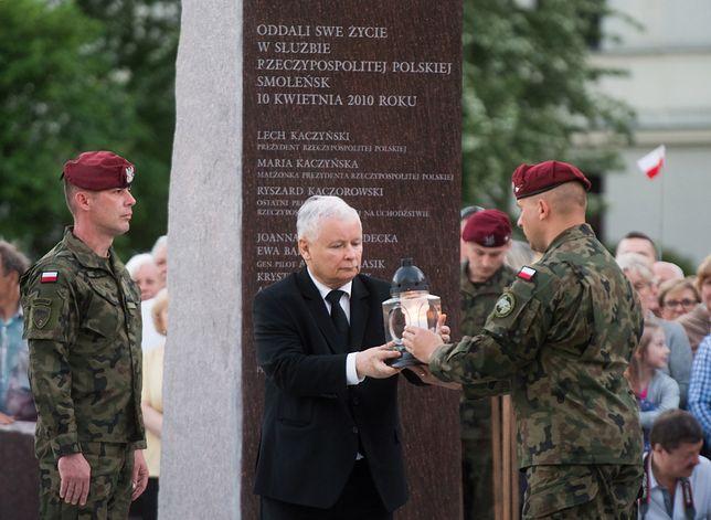 Kaczyński: pamięć smoleńska też została dotknięta nienawiścią