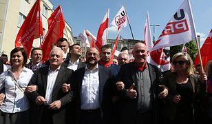 Pochód i manifestacja OPZZ i SLD z okazji święta ludzi pracy
