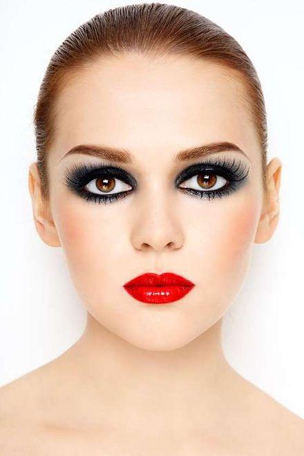 Wieczorowy makijaż na każdą okazję